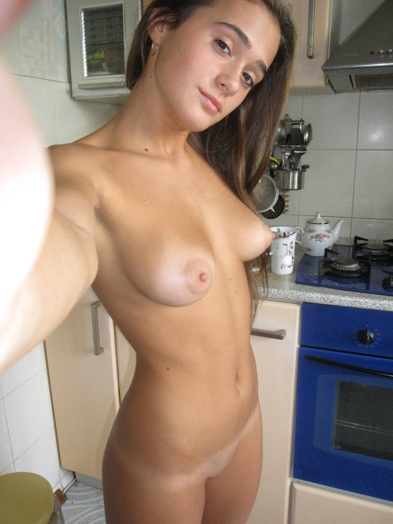 sexy naked selfie